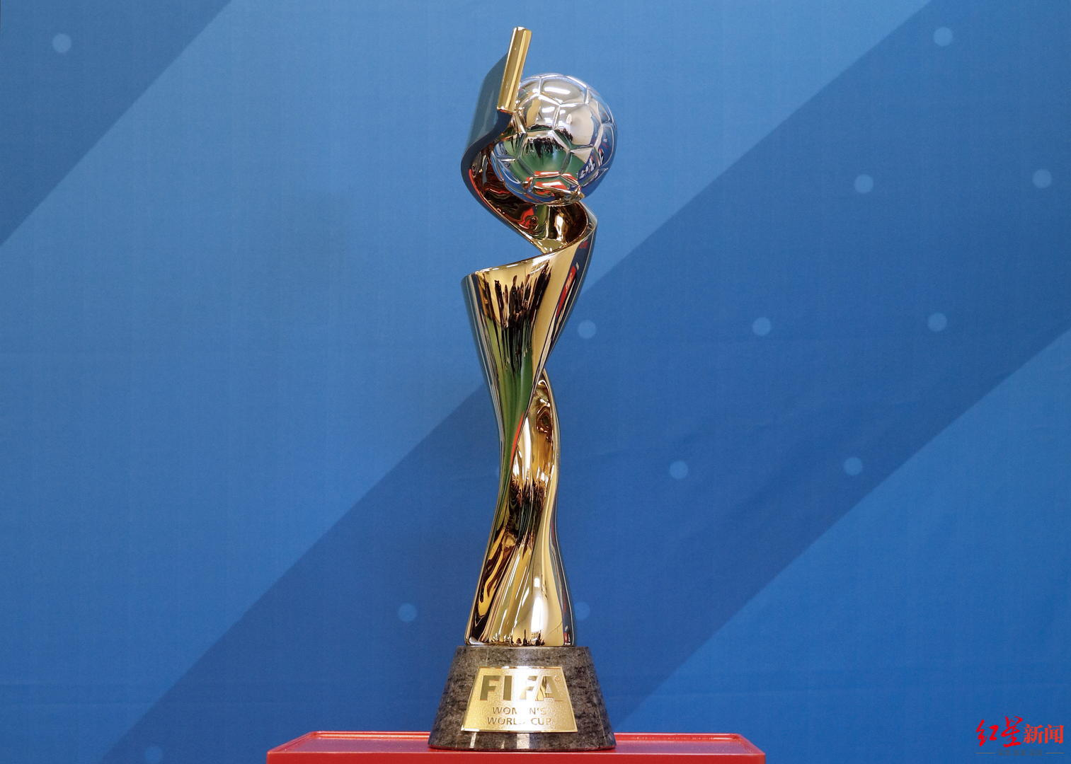 """女足世界杯有必要""""扩军""""吗?"""