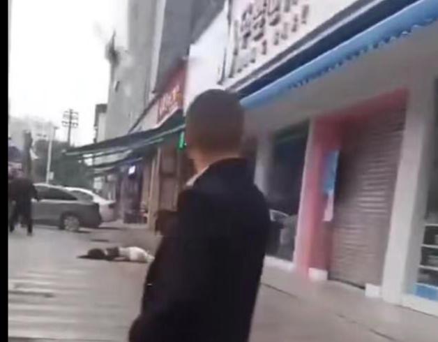 四川中江17岁女孩酒后跳楼,闺蜜相劝时双双坠下 警方:两人均在救治中