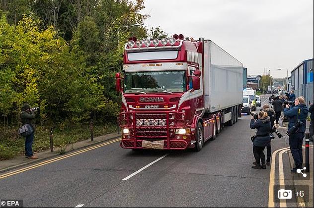 英国货车藏尸案被捕司机:父母不清楚他的情况